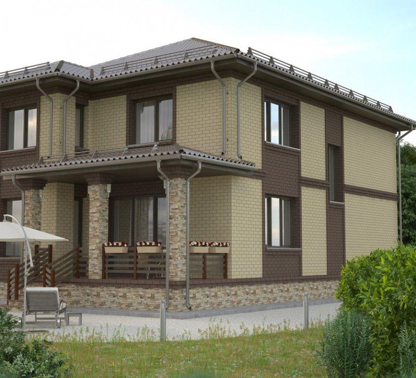 Большой двухэтажный дом